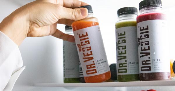 4 groentensappen van Dr.Veggie in de koelkast